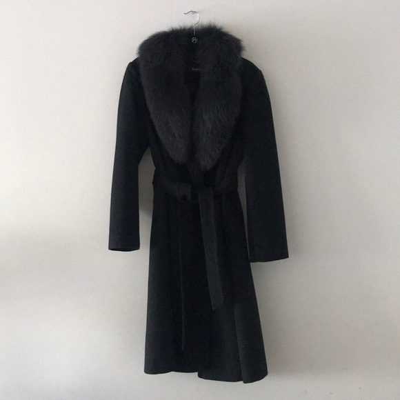 Ellen Tracy Jackets & Blazers - Ellen Tracy Woolen Grey Coat with Real Fur M L